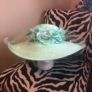 NWT Green Fine Millinery hat by August hat co